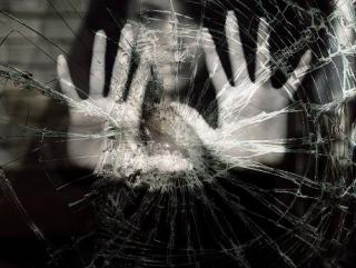 Broken-mirror-broken-glass